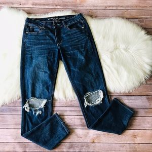 American Eagle Tomgirl Distressed Jeans Sz 4